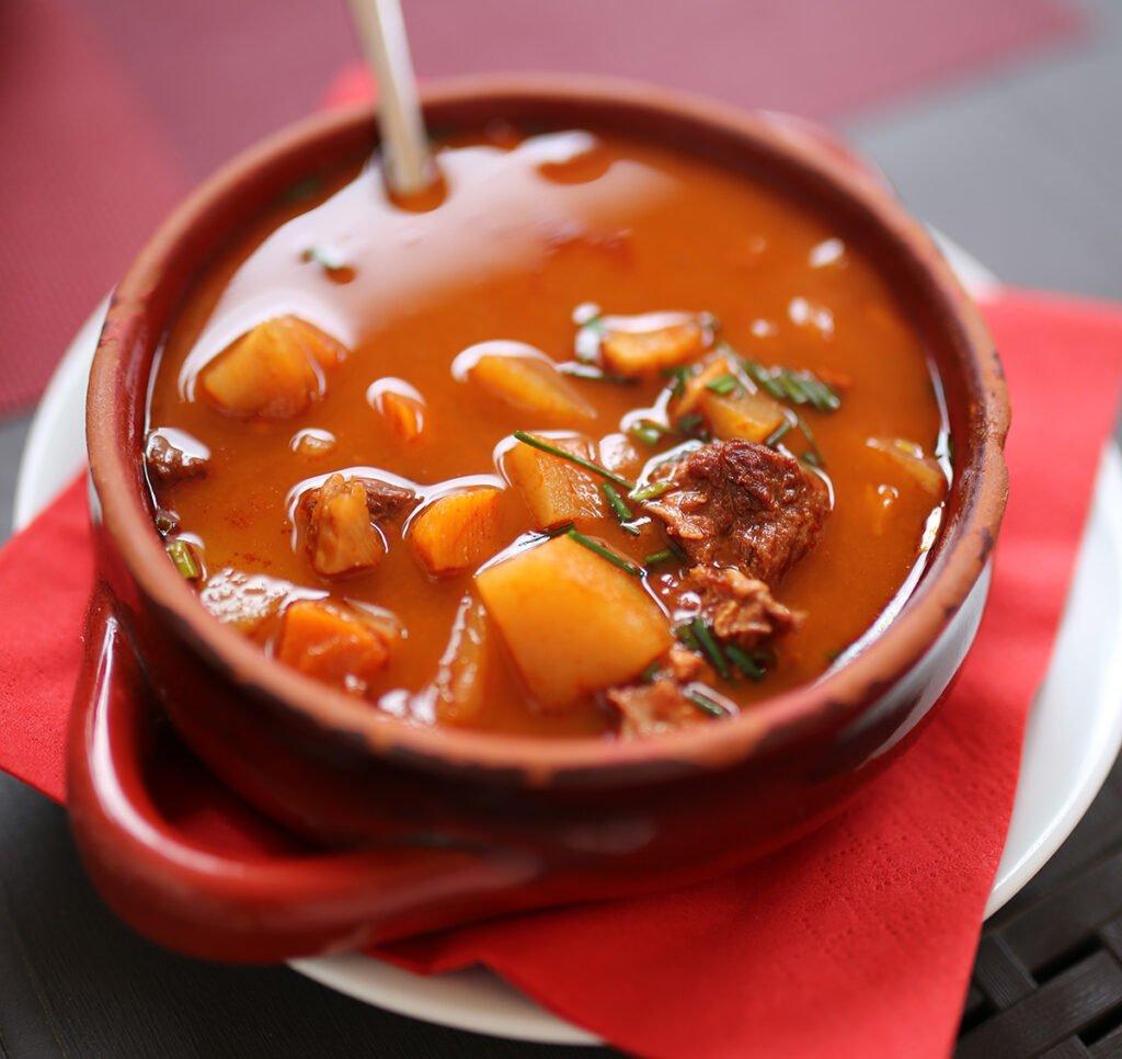 zupa gulaszowa w Budapeszcie